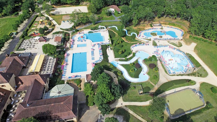 eurocamp dordogne easter family holiday camping offer